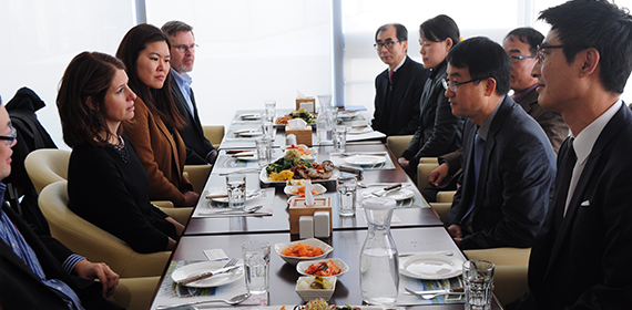 DAS Lerner and U.S. Embassy colleagues meet with Korean Ministry of Education Director General Seong-Geung Bae